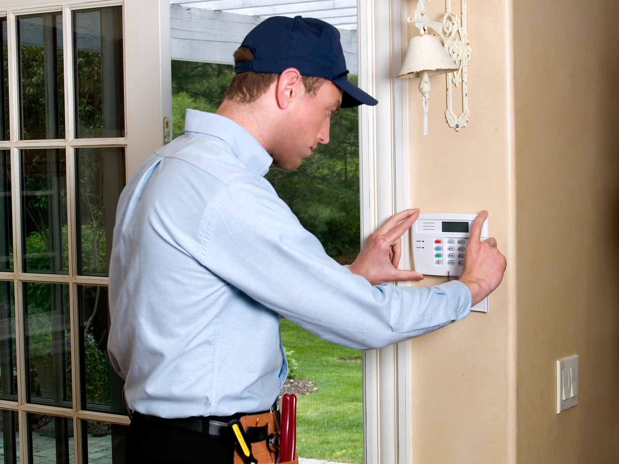Безопасность Вашего дома: современные системы наблюдения и датчиков